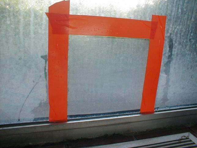 Désincrustation calcaire bonderite C-IC sur vitre d'une piscine
