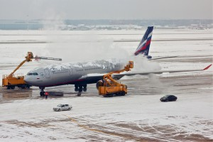 Deicing airplain aeroport